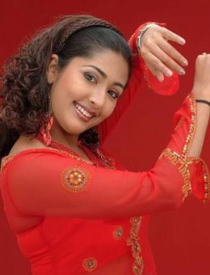 South-Indian-Hot-Actress-Navya-Nair