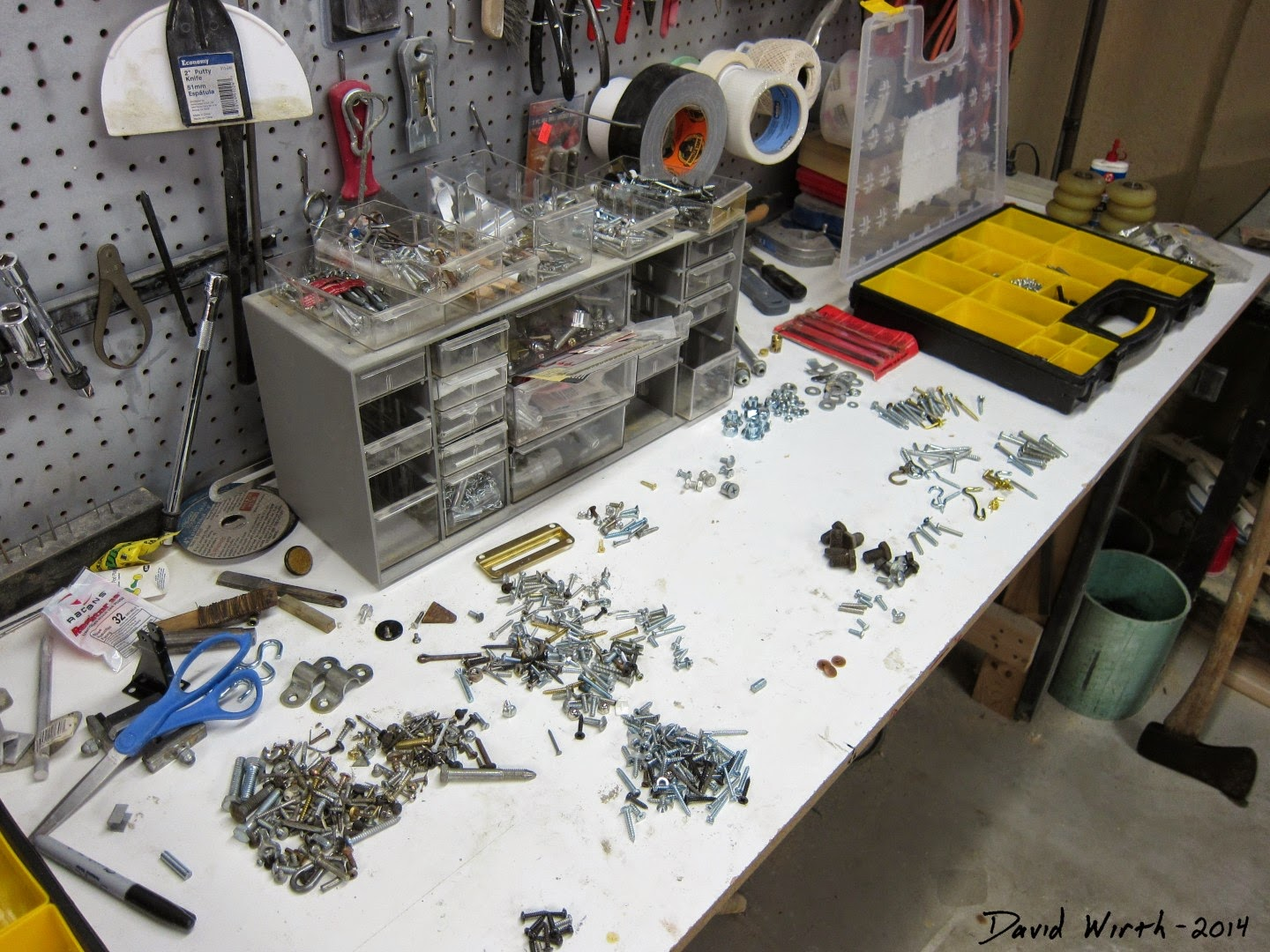 sort bolts, screws, nuts, washers, parts, how to sort, stay organized