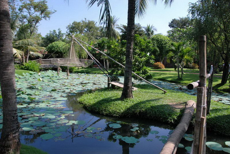 Phong cảnh sân vườn mát mẻ tại Mekong Restop