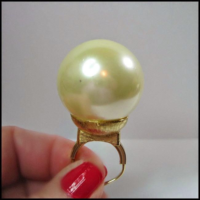 https://www.etsy.com/listing/191739365/huge-1960s-bubble-pearl-ring-liza