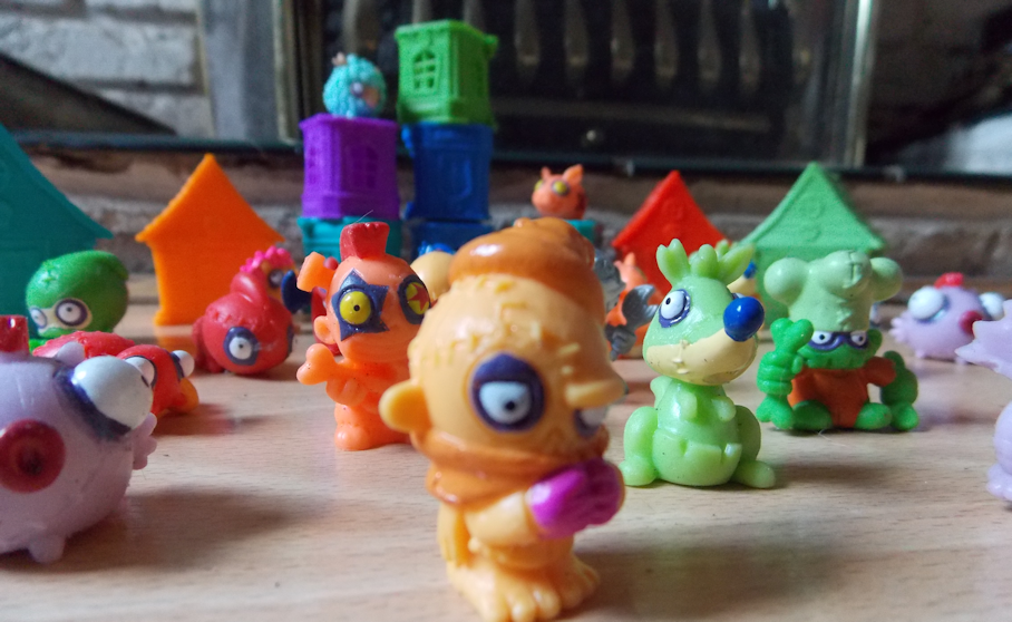 trashpack toys collection zombie mini figures