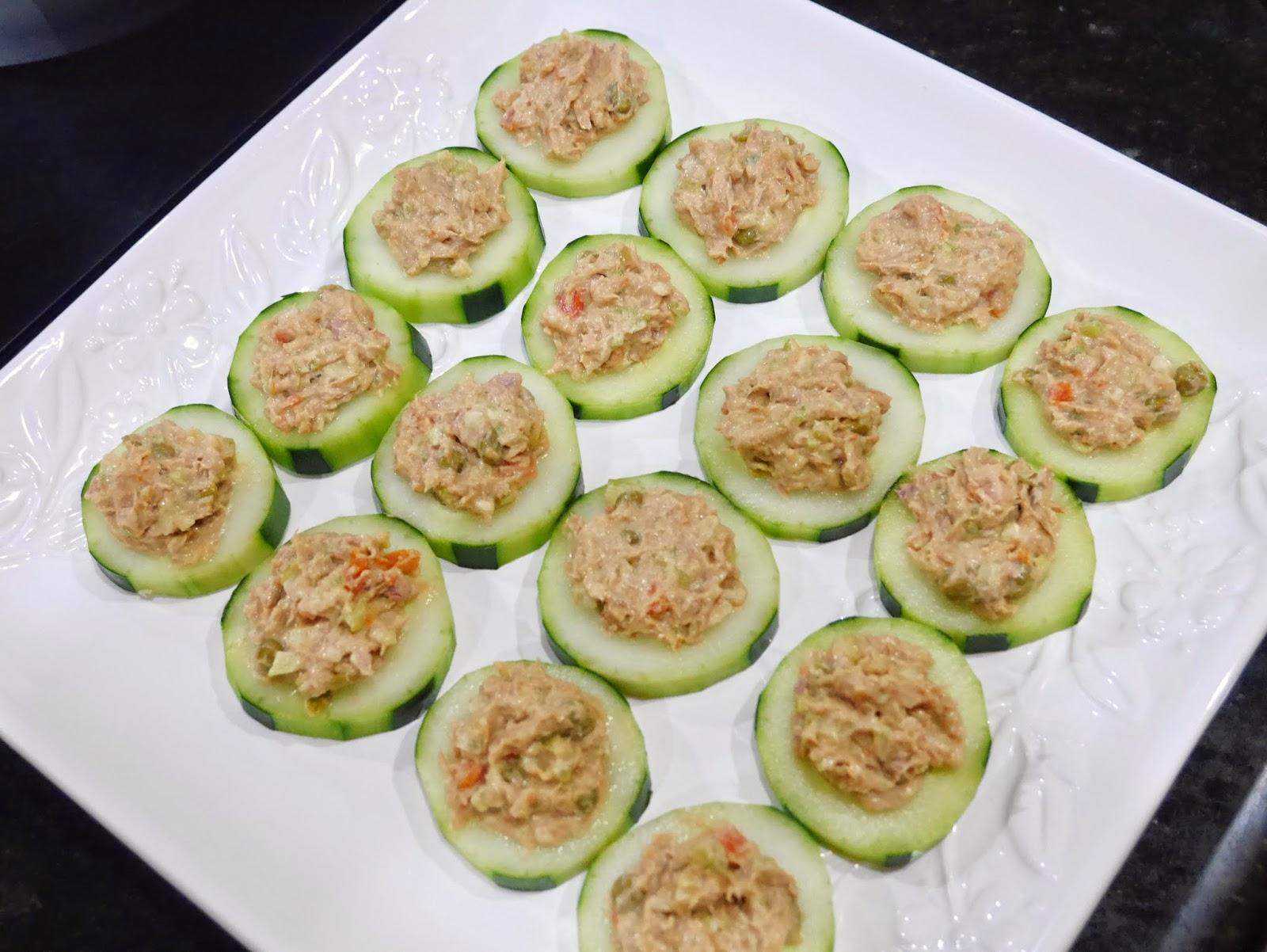 One thousand looks quick cucumber and tuna canape recipe - Ensalada de arroz con atun ...