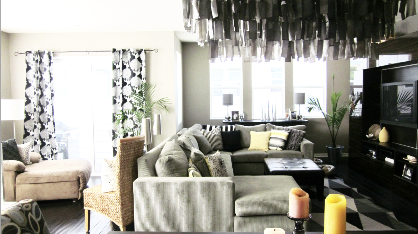 Black And White Room With Pops Of Color