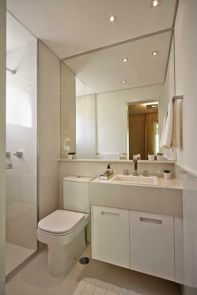 Banheiros Pequenos  Decoração  Jeito S -> Banheiro Pequeno Com Pastilhas Claras