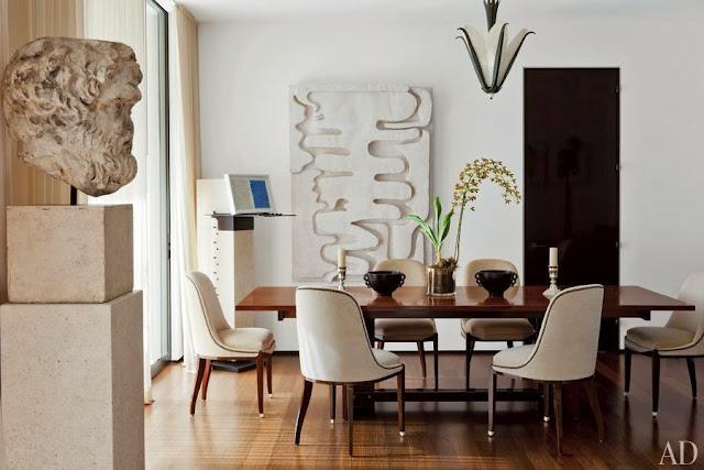decorar comedor moderno con sillas retro blancas