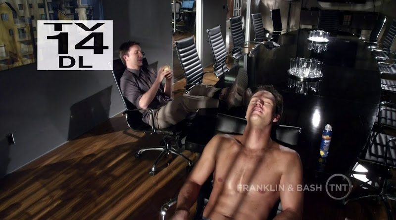 Mark-Paul Gosselaar Shirtless in Franklin and Bash s1e02