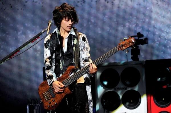 http://1.bp.blogspot.com/-xmVJQ_F4iow/Tqca9pdBNWI/AAAAAAAAGL8/Q3sE-i1c6_Y/s1600/20111023_tetsuya-600x398.jpg