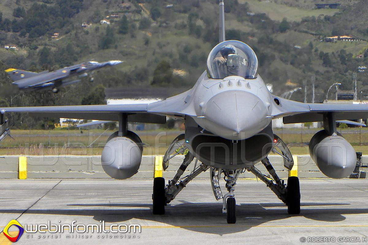 Kfir Fuerza Aérea Colombiana F-16