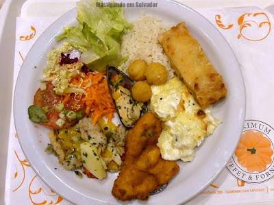 Jerimum Buffet e Forneria: Prato com opções do buffet da loja do Salvador Shopping
