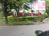PKL ditepi Jalan daerah Solo Paragon