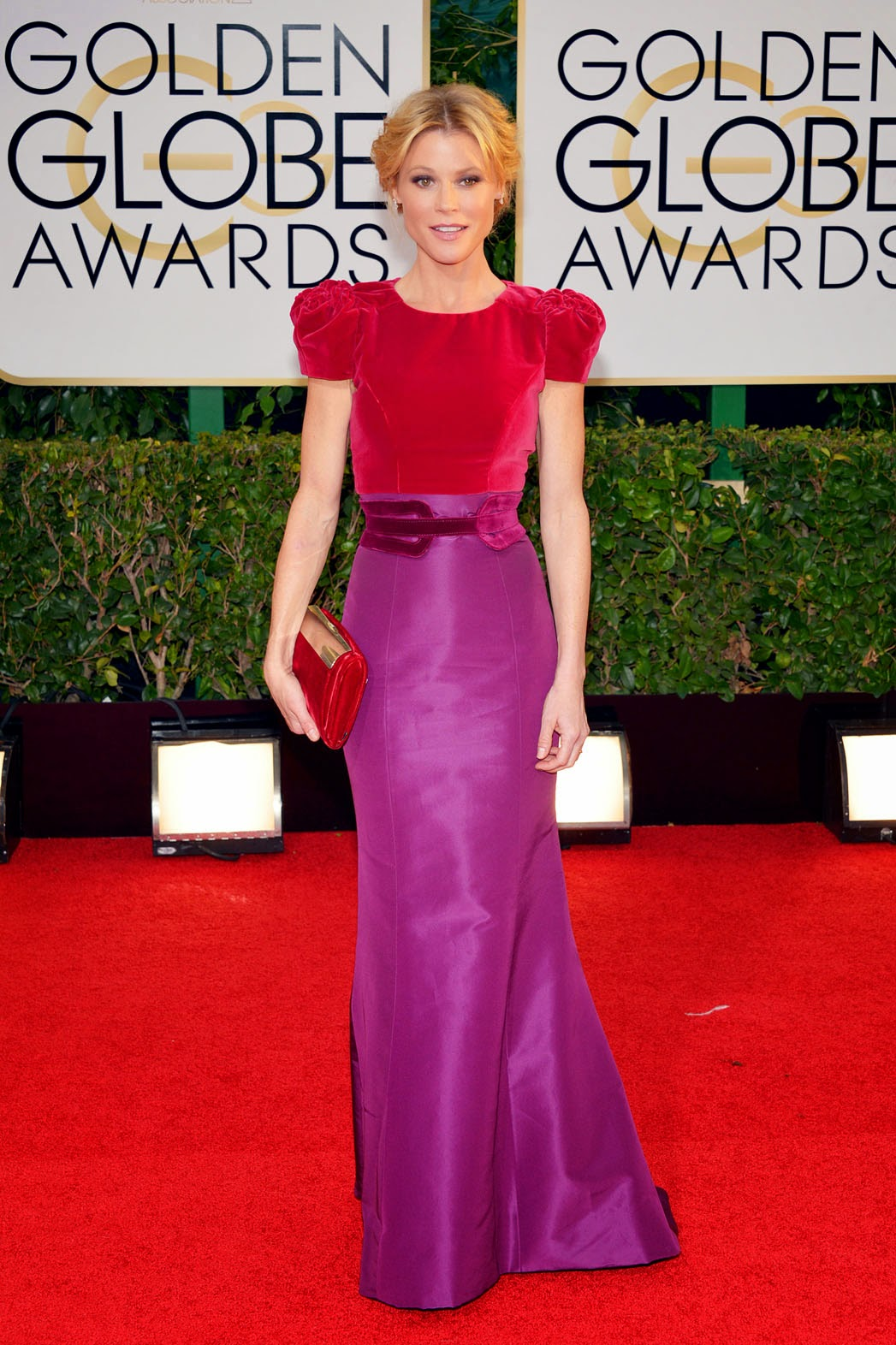 Julie Bowen in Carolina Herrera. If you're into color blocks then check out this modest knee-length color block dress