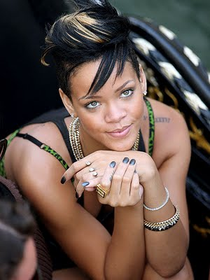 rihanna hot nails