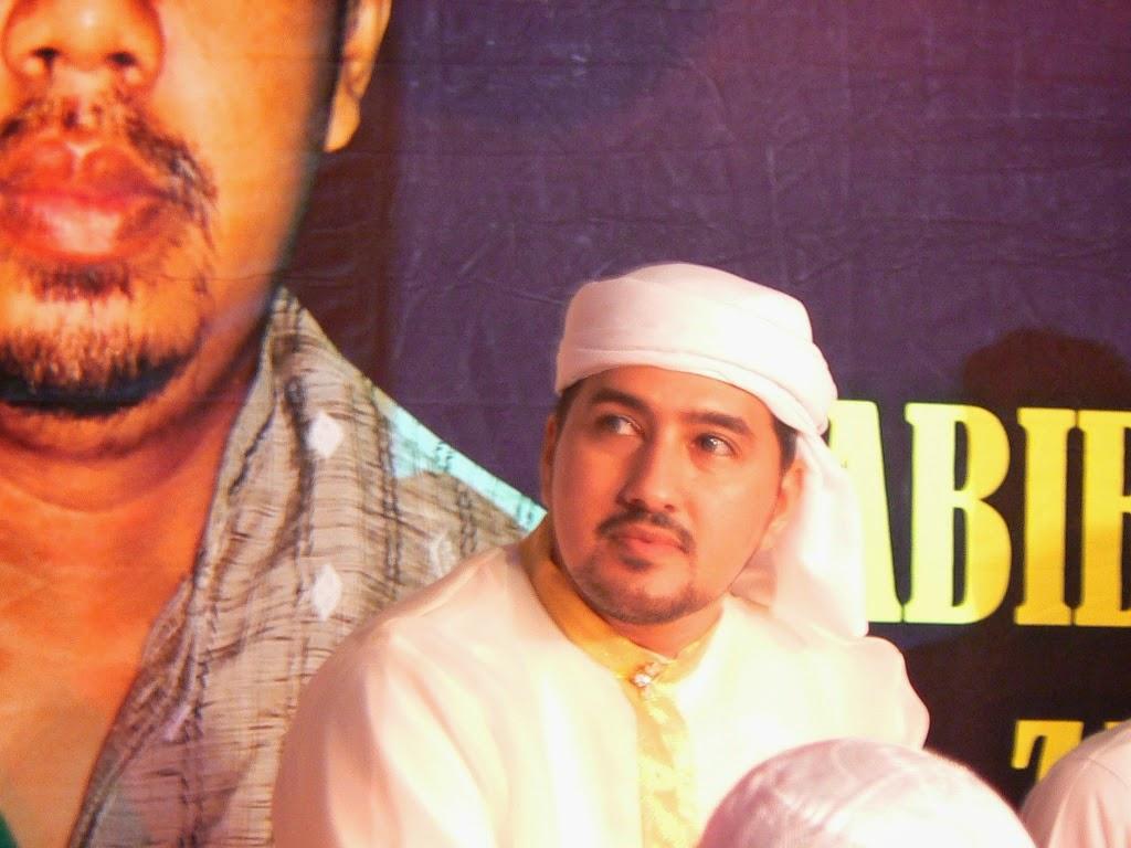 http://raudlatululumkencong.blogspot.com/2014/03/galeri-harlah-pondok-singgah-dan.html