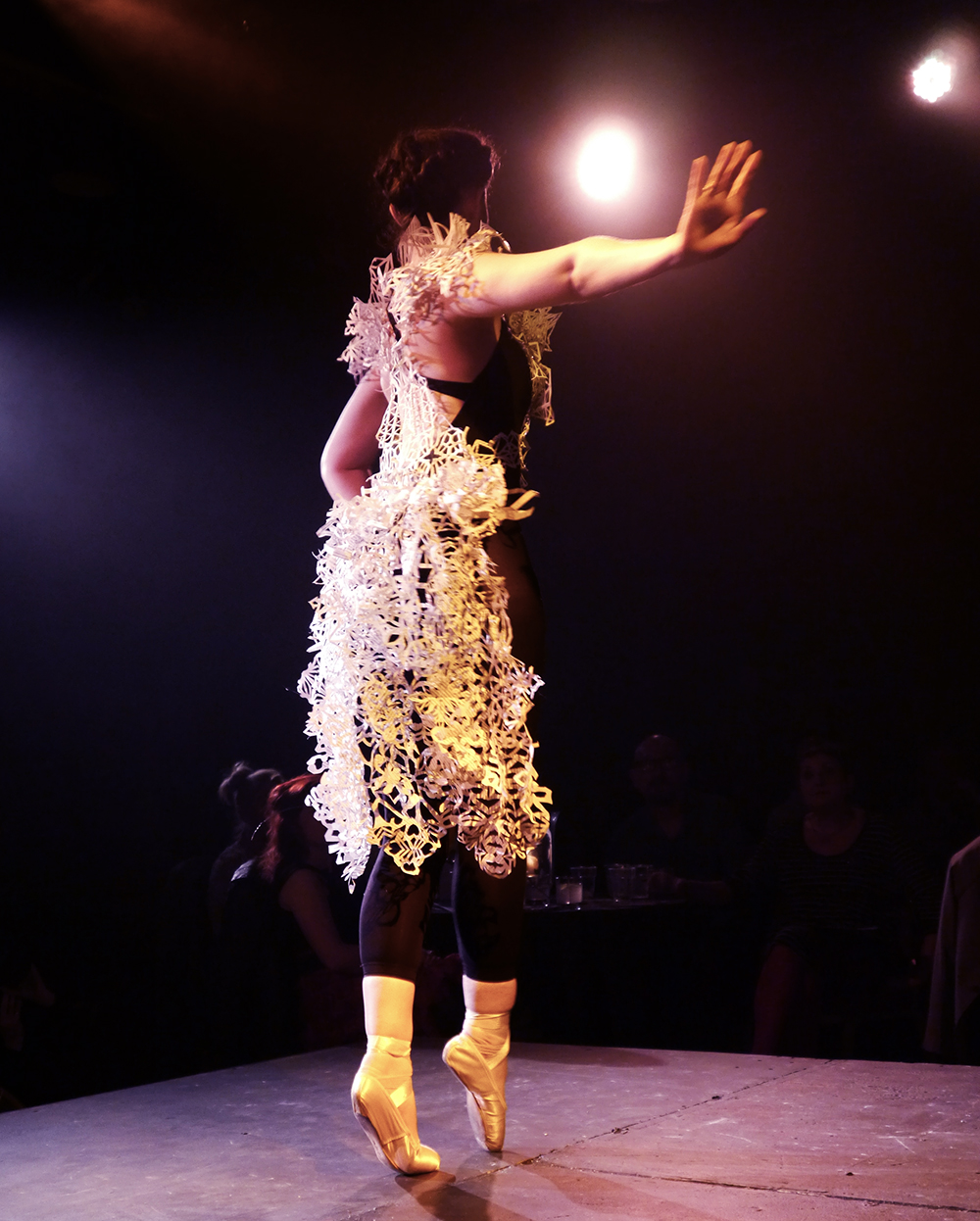 Dundee Wearable Art, Dundee Wearable Art Show, Wearable art, performance, fashion and art, Scottish Bloggers,  Rachel Goodwin - Ice Crystal, paper cut, paper cut dress, ballet