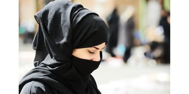 Aurat Wanita Diluar Shalat Adalah Seluruh Tubuh Jika dikhawatirkan Fitnah