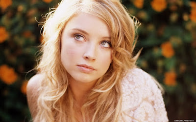 American Actress Elisabeth Harnois Wallpaper