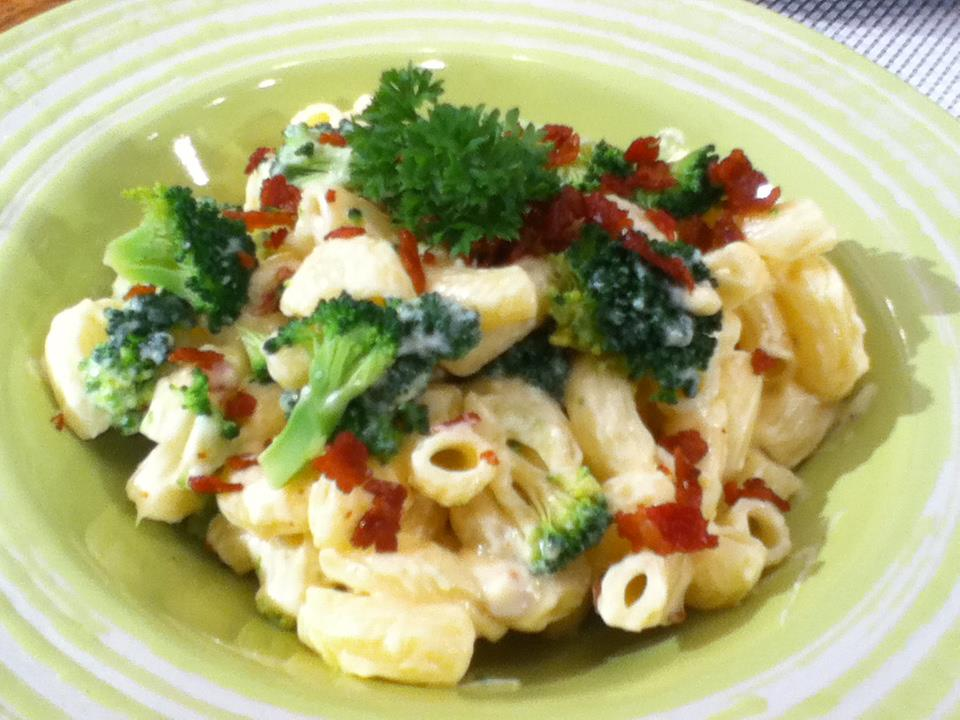 Mac and Cheese with Crispy Bacon and Broccoli Sarap Diva Recipe