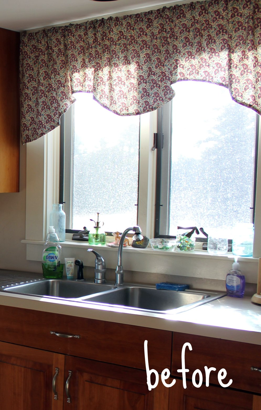 Not your usual kitchen window treatment - Window treatment ideas for kitchen ...