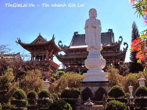 Chùa Minh Thành uy nghi nơi phố núi mờ sương