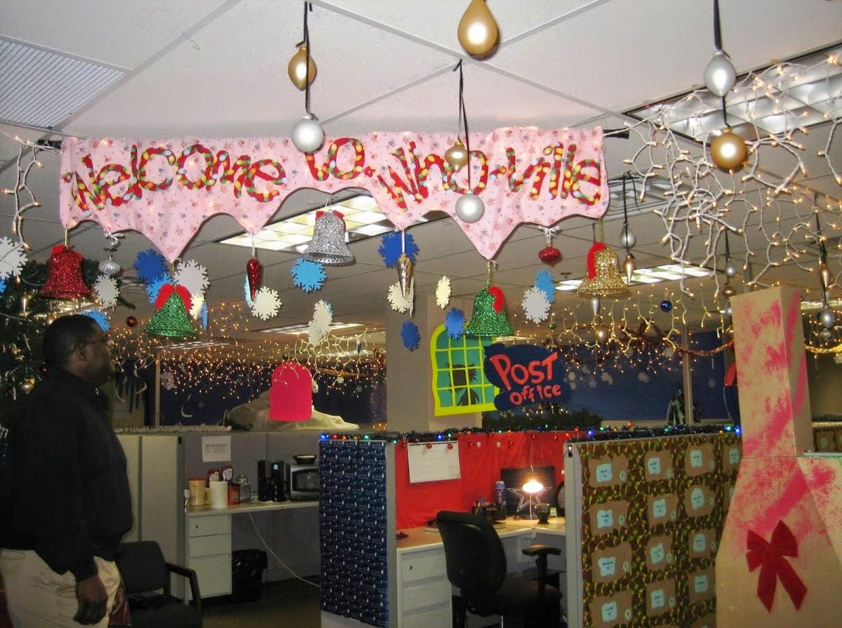 Christmas Decorating Ideas for Office Cubicles
