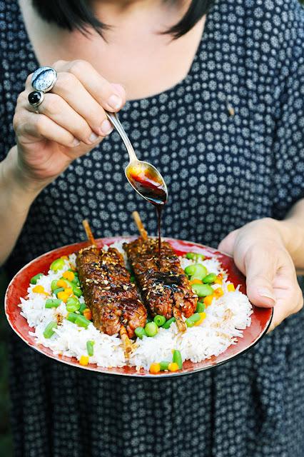 Y'ferait pas un temps à sortir le BBQ ? Brochettes de viande hachée à l'asiatique...