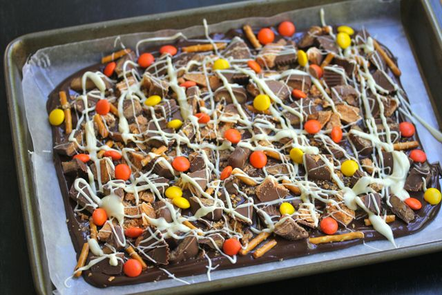 halloween chocolate and peanut butter bark