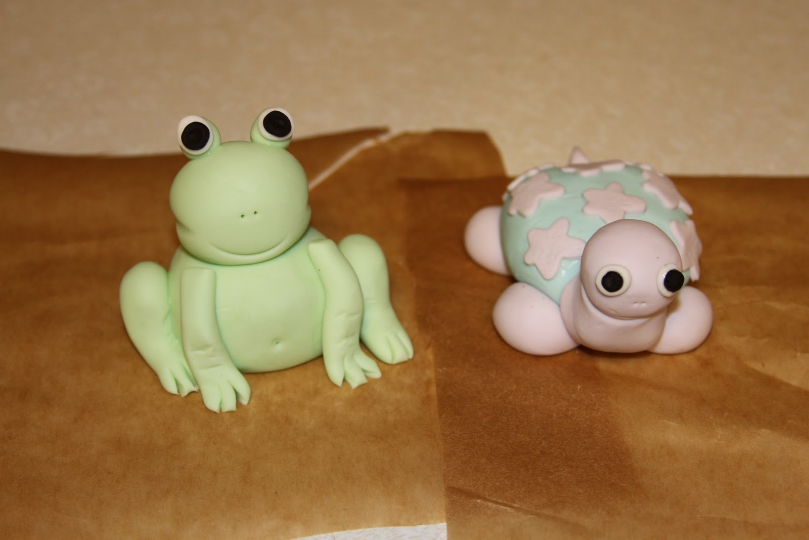 Katie Rose\'s Cakery: Frog and Turtle Baby Shower Cake