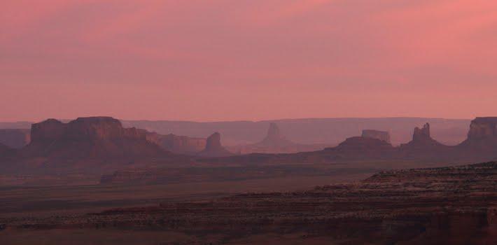Aller voir Monument Valley de haut