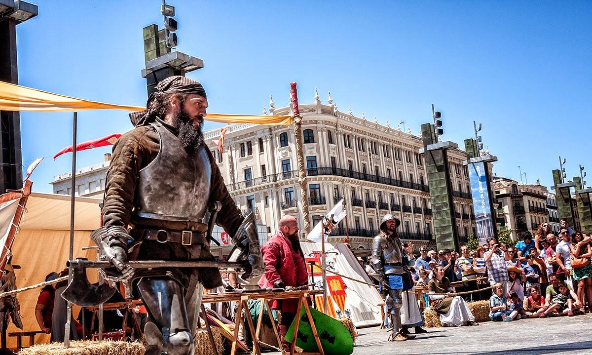 Una mañana de Domingo Mediaval & Street Market (Street Photo Zaragoza)