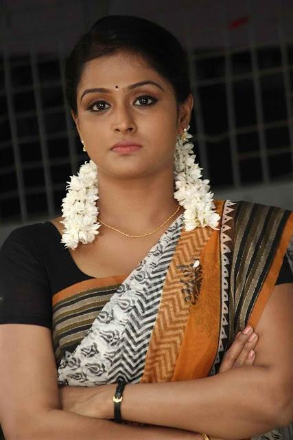 Remya Nambeesan Saree Actress Oviya Cleavage
