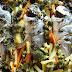 Στην κουζίνα: Τσιπούρες στο φούρνο με λαχανικά και μυρωδικά