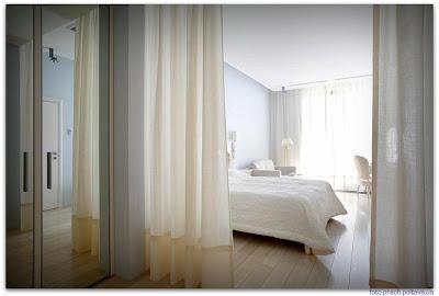 На фото интерьер спальни из проекта, реализованного архитектором Владимиром Малашонком