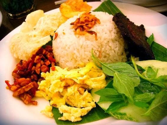 Cara membuat nasi uduk, resep nasi uduk, nasi uduk istimewa enak