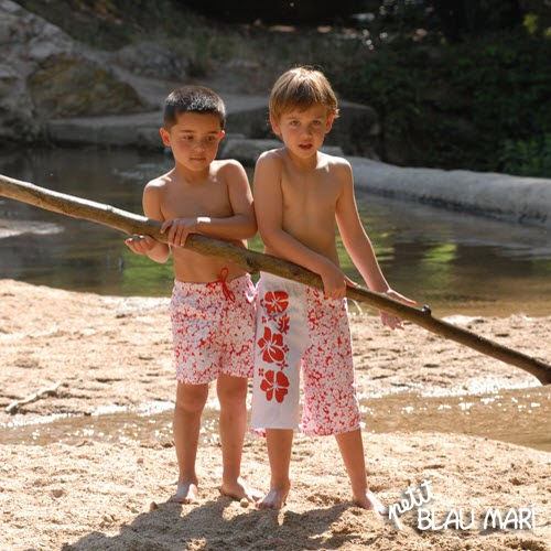 Petit Blau Mari - Badeanzüge Kinder Mode im Sommer2012