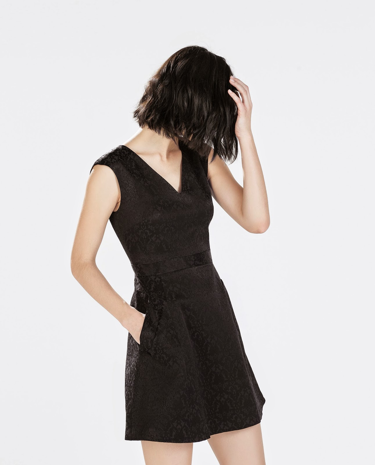 zara black mini dress, zara black v neck dress,