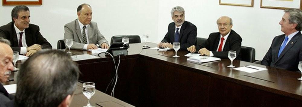 Piada pronta: governo discute pacote anticorrupção com Fernando Collor