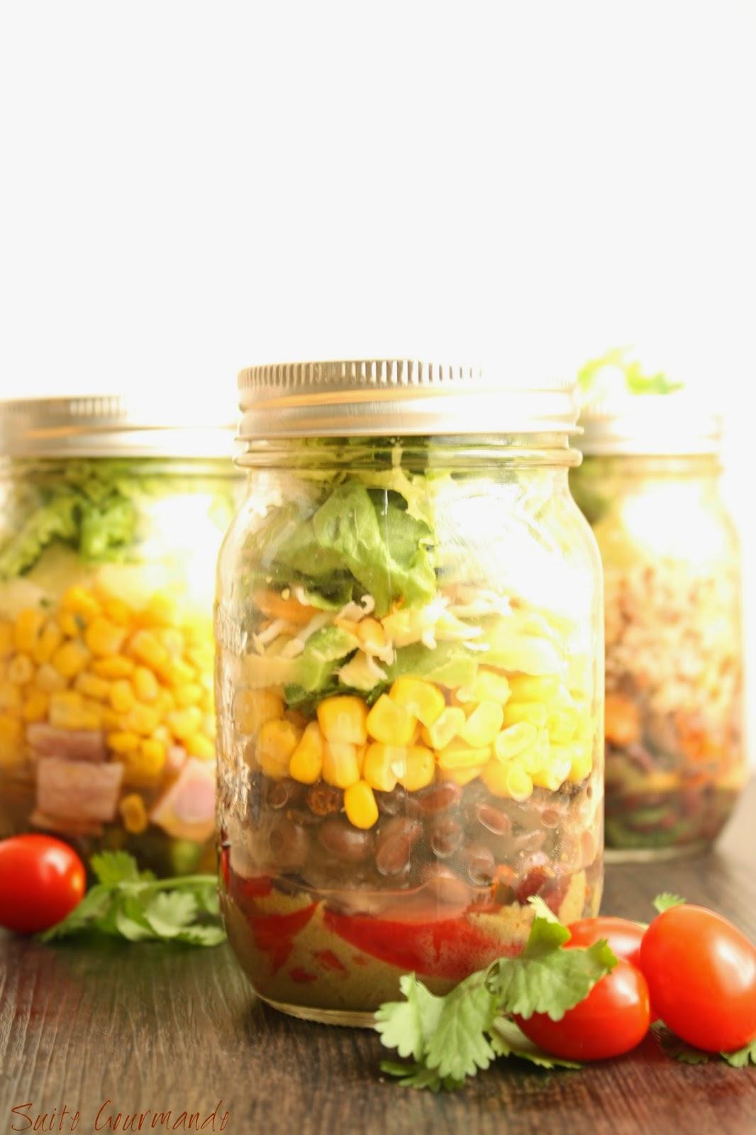 Suite gourmande comme une salade repas dans un bocal - Salade en bocal ...
