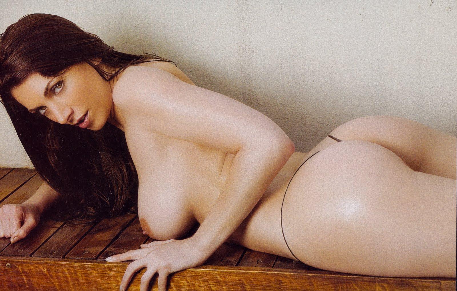 http://1.bp.blogspot.com/-xp_B1God7r8/TmPZEXQyusI/AAAAAAAADnU/cptZQ5ZKkg4/s1600/Valeria_Degenaro.jpg
