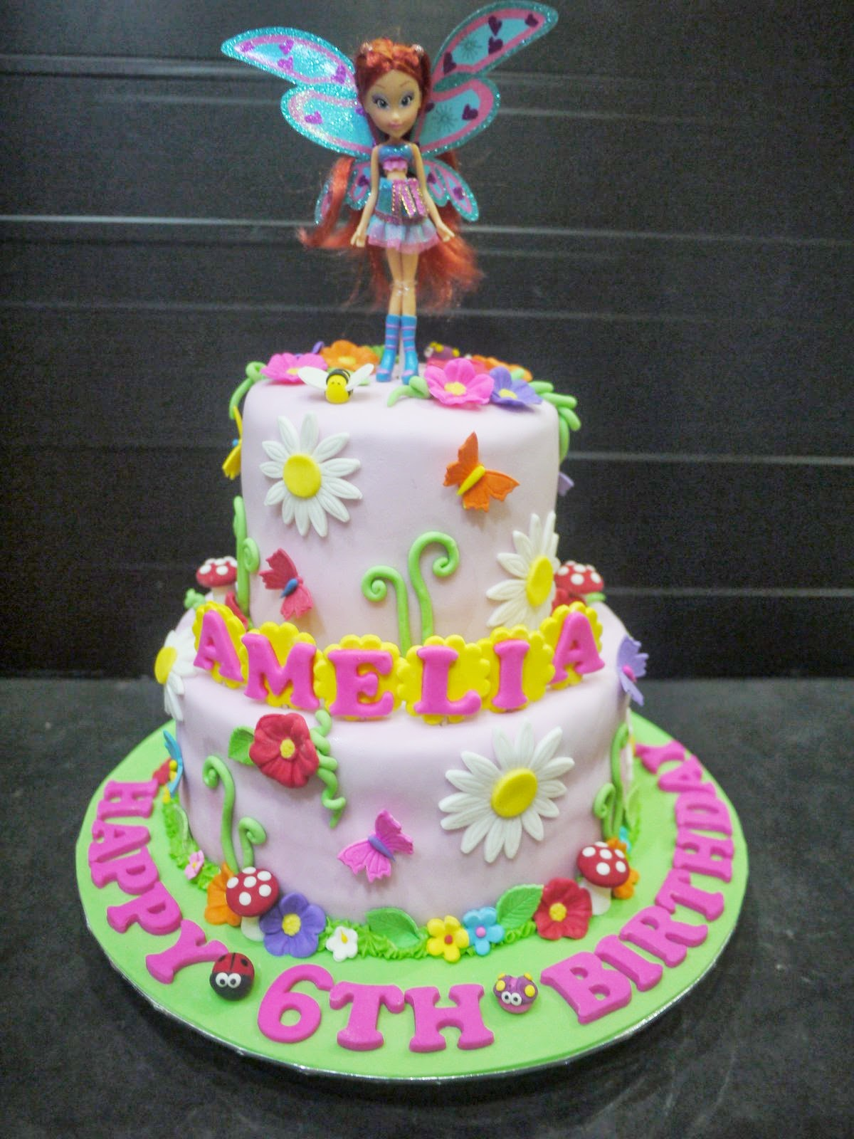 Cupcake Divinity Amelia S Winx Club Cake