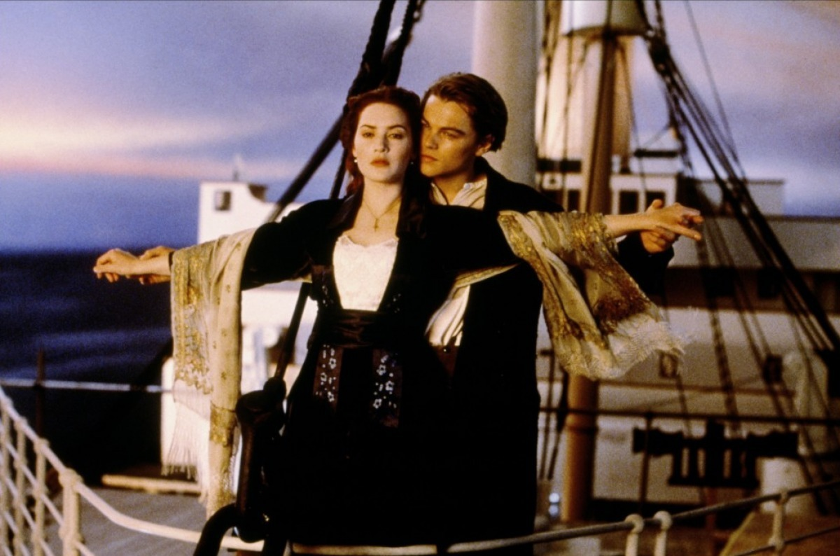 http://1.bp.blogspot.com/-xpxwKO1yO3g/T4hztoTQ-VI/AAAAAAAABHc/5_hDCURgcyg/s1600/Titanic-Kate-Winslet-Leonardo-diCaprio-1997.jpg