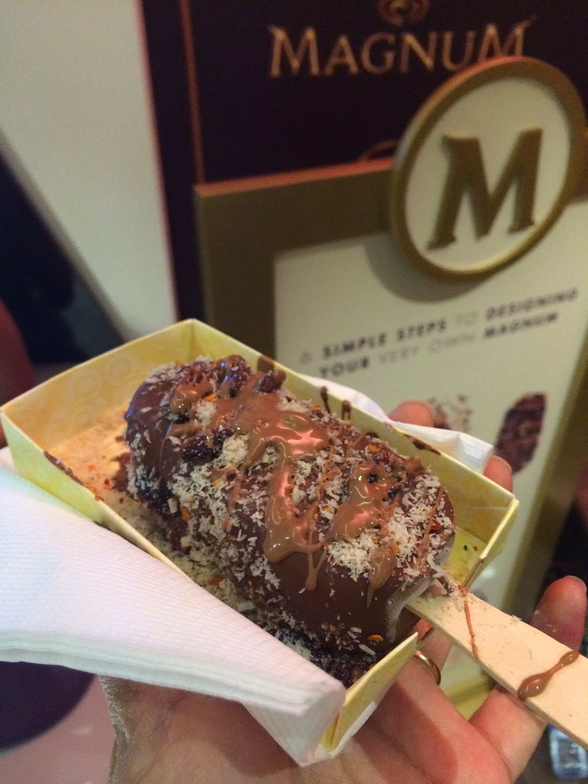 Magnum Store Karachi - Magnum with coconut, cranberries and chilli flakes