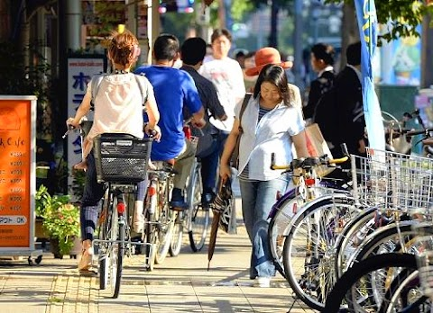 Sidewalk Cycling in Japan