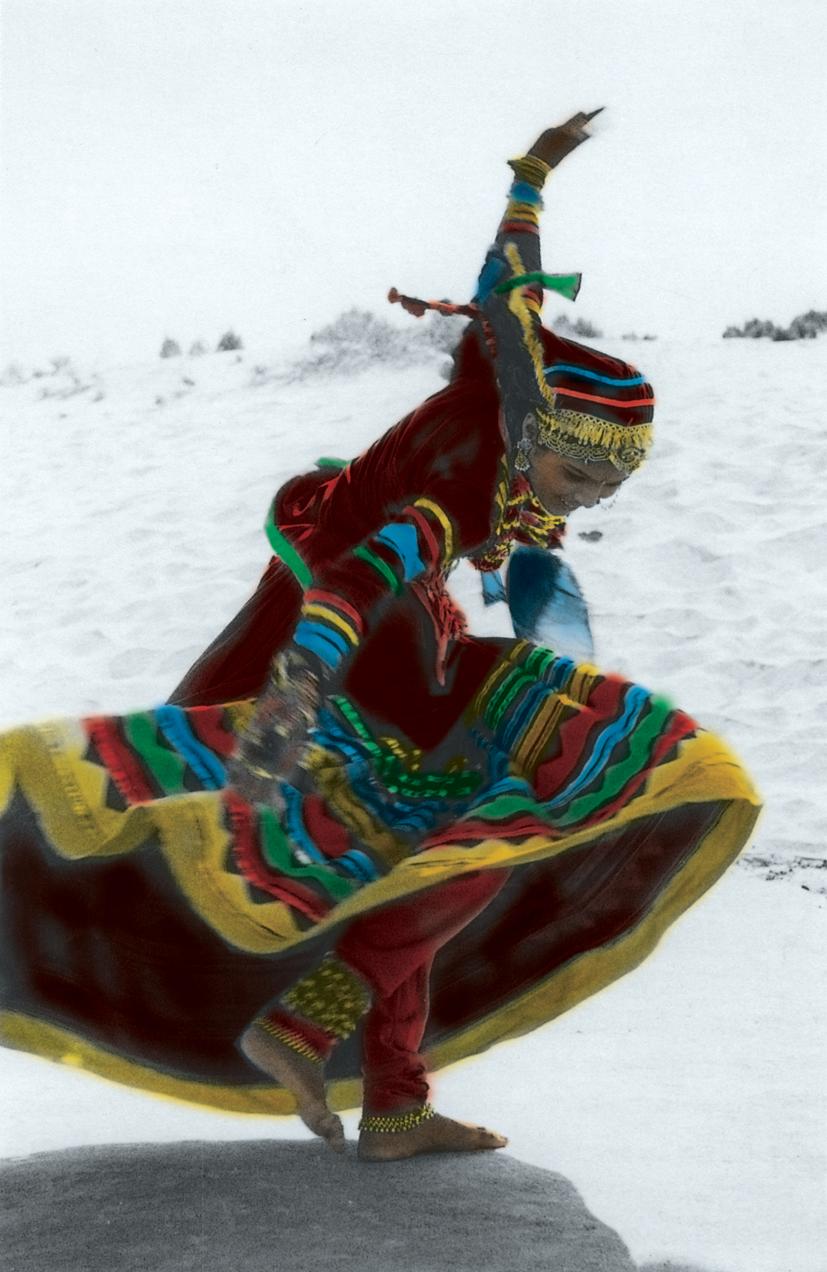 http://1.bp.blogspot.com/-xqM7_f-rj5w/Tk88CukdIfI/AAAAAAAAHeY/xQO_sB9pl1w/s1600/Latcho+Drom+-+dance.jpg