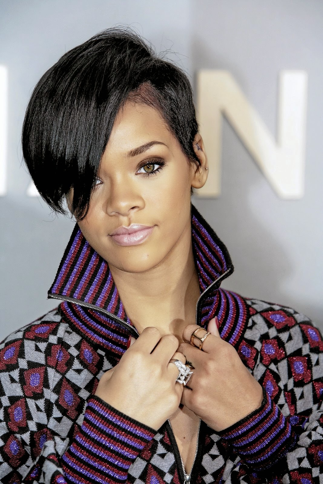 Trending Rihanna Hairstyles In 2014