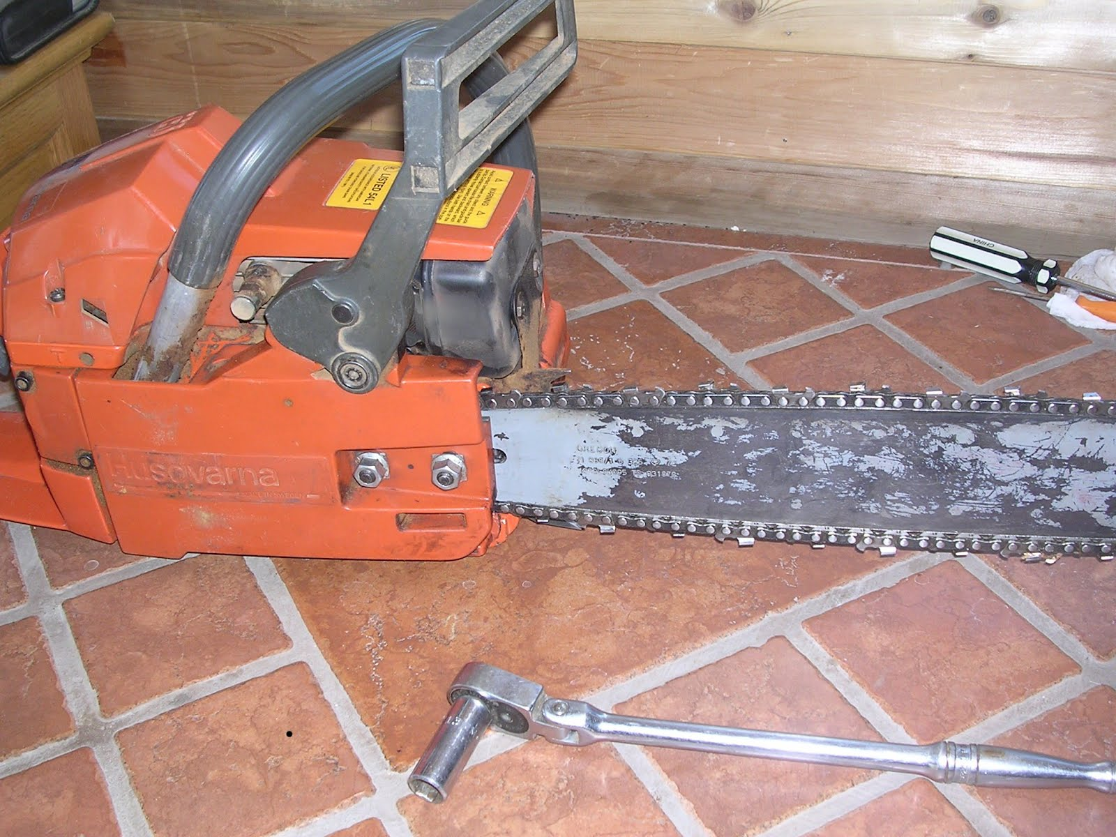 Chainsaw Maintenance and Use for Beginners
