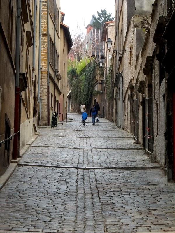 Lyon vieux montée gourguillon