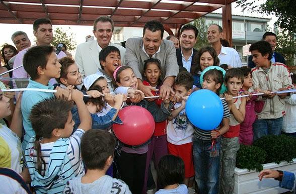 Πολιτικές σκοπιμότητες  καταστρέφουν την παιδική χαρά στο Πάρκο Πόλης.