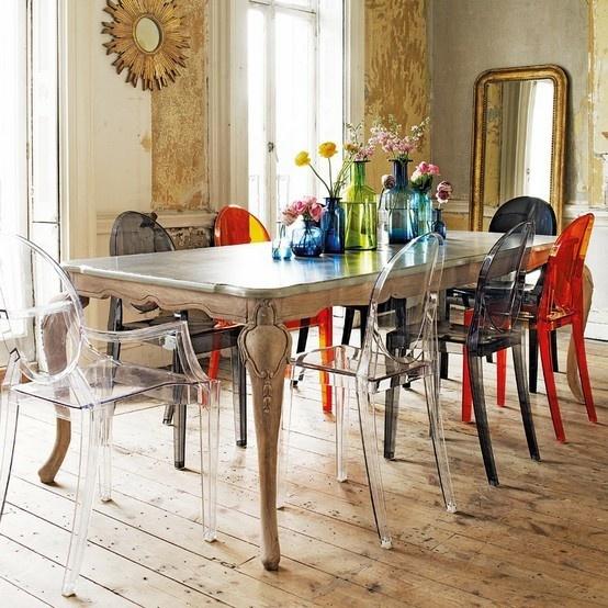 Cadeiras-diferentes-na-sala-de-jantar-17