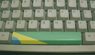 Bandeira do Brasil no espaço do teclado