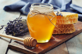 How To Make A Honey Mask For Beautiful Hair